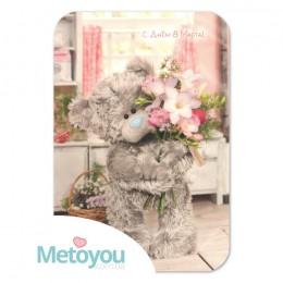 Открытка Мишка с букетом весенних цветов С Днем 8 Марта!
