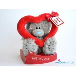 Мишка Тедди смотрит сквозь сердце (G01W1468)