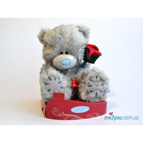 Мишка Тедди держит красную розочку (G01W2039)