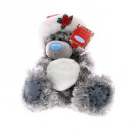 Мишка Ми ту ю в шапке Деда Мороза держит снежок 20 см (G01W2989)